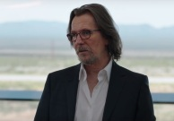 Space-Between-Us-Gary-Oldman-glasses